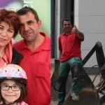 Mitarbeiter mit Familie am Tag der offenen Tür
