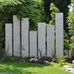 Konsequente Gartengestaltung mit Stelen