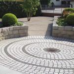 Naturstein-Pflaster, perfekt rund und eben ausgeführt